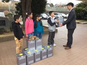 160217静岡県伊東市小学校(1)非常用備蓄燃料